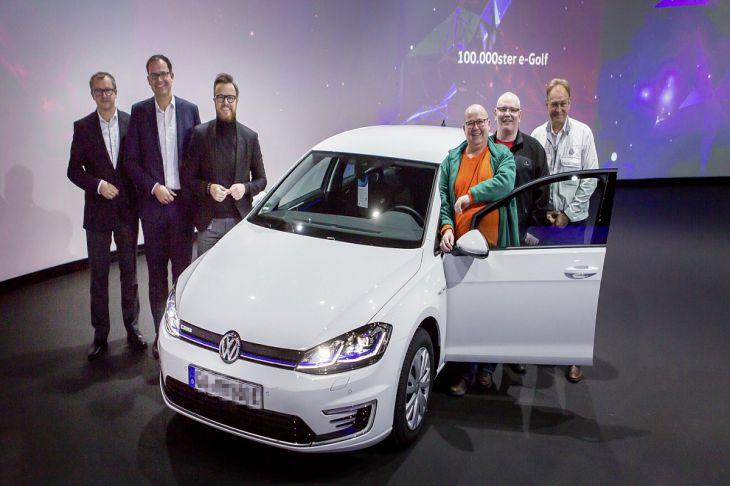 Volkswagen выпустил 100-тысячный экземпляр электрического e-Golf