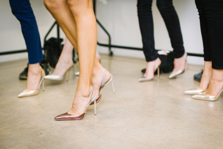 Психологи выяснили, что заставляет женщин надевать высокие каблуки