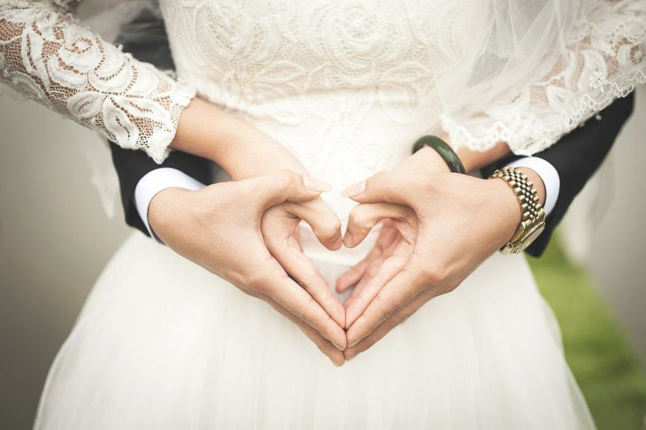 4 вещи, которые нельзя делать супругам вместе согласно приметам