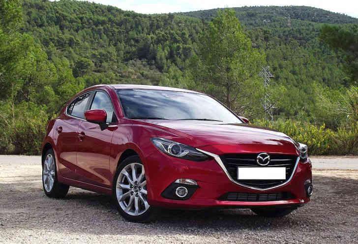 Автомобиль Mazda3