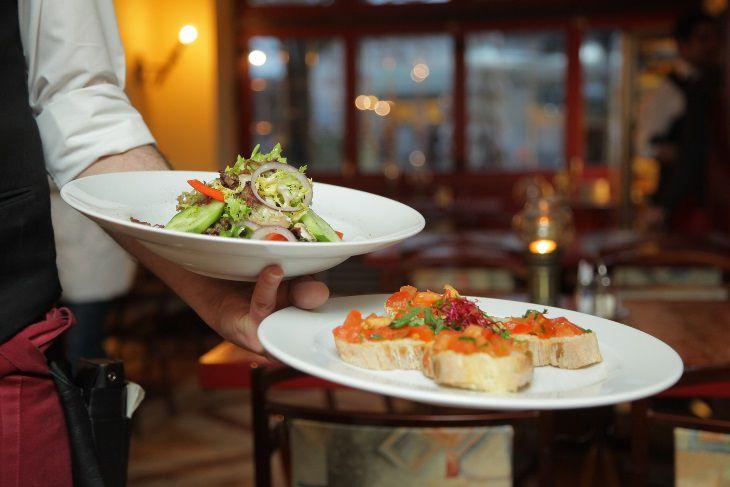Ученые назвали еще одну опасность позднего ужина