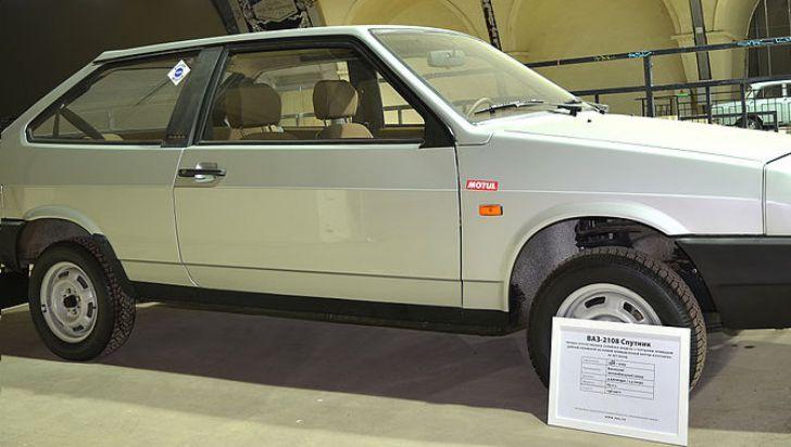 автомобиль ВАЗ-2108 Спутник