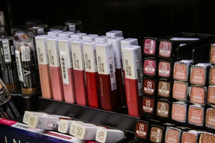 Кушон и хайлайтер: названы основные тренды макияжа 2020