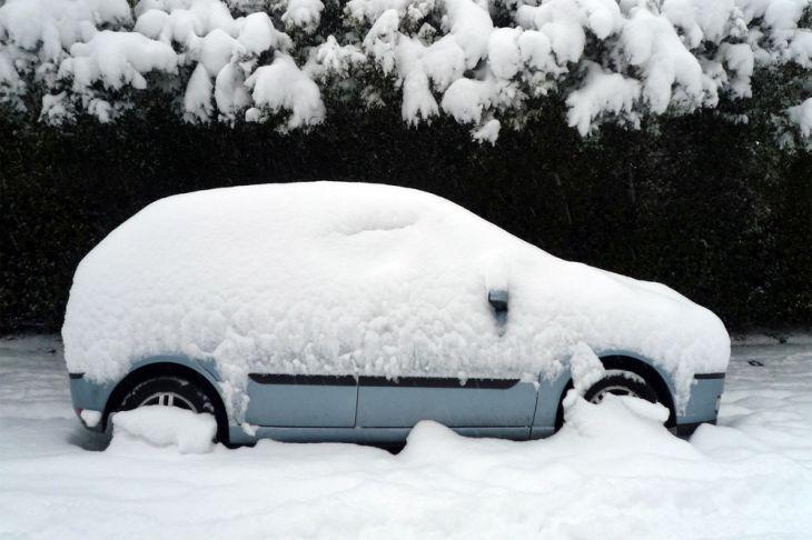 Названы главные ошибки в эксплуатации машины зимой