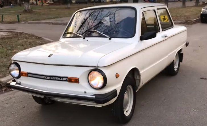 автомобиль Запорожец